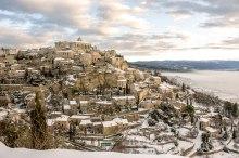 Gordes sous la neige. © Francis Manguy