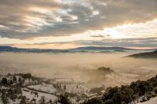 Vue de Gordes, sous la neige © Francis Manguy